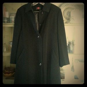 All weather coat. Sz 4P.